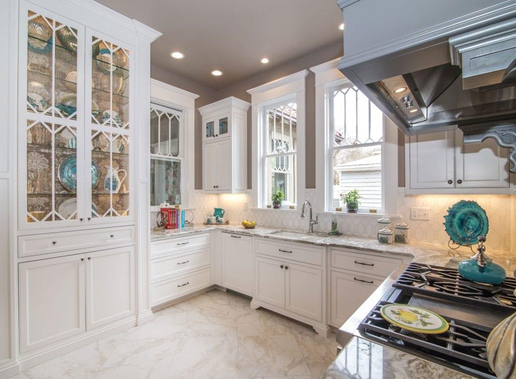 Custom-Kitchen-Cabinets-Seeded-Glass-White-Glass-Shelves ...